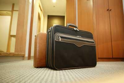 如何购买行李箱